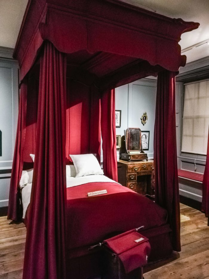 Handel's Bed. Exploring Mayfair: Handel & Hendrix in London