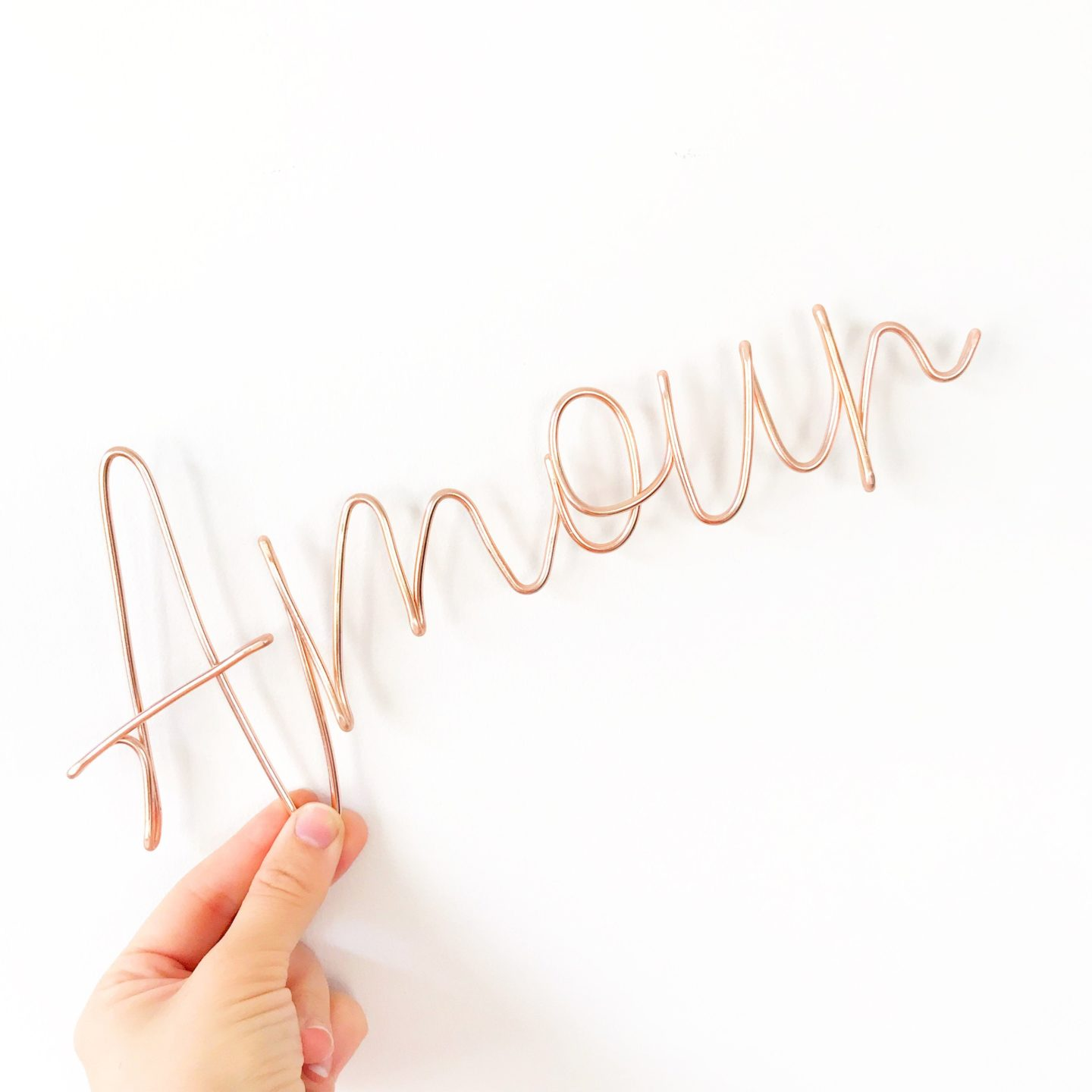 Rose Gold Wire Word 'Amour'.