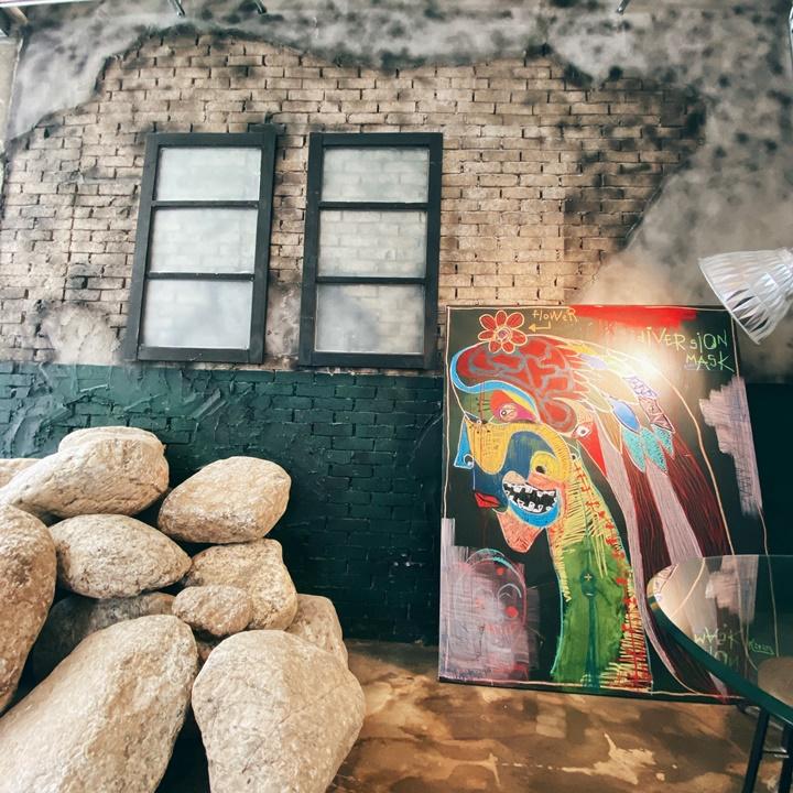 韓國君子站廢墟工業風咖啡廳-Cafe Grine(카페그리네)
