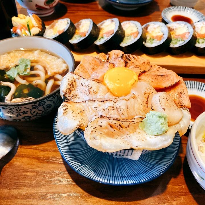韓國IG爆紅的이이요日式炙燒三文魚/生魚片蓋飯!