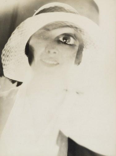 Am I Beautiful? Maurice Tabard, 1929
