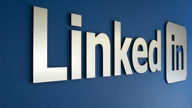 10 Tips for your LinkedIn profile to be found by Recruiters? (Infographic and Video)