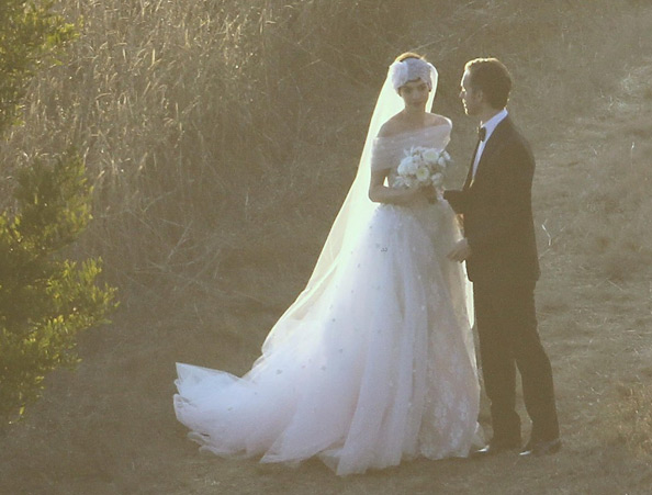 anne-hathaway-shurman-wedding
