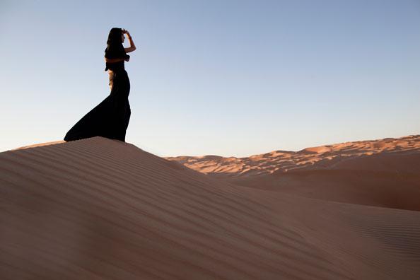 ramadan-woman-desert
