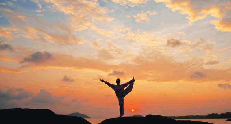 11Kamalaya-sunset-yoga