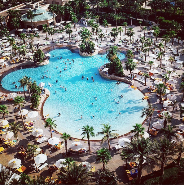 nasimi atlantis the palm Offers Free Pool Access Until September