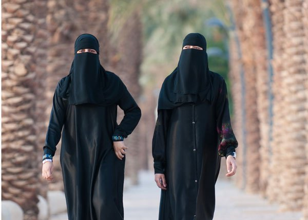 saudi-women-travel-2