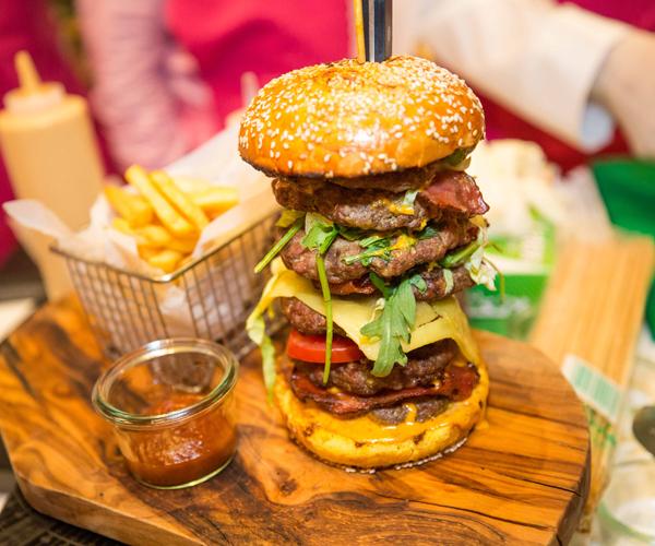 Burger sells for $10000 in Dubai