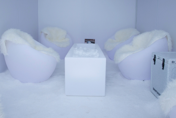 DubaiICE Ladies Beach