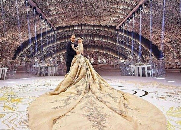 Zuhair Murad Wedding Dress.This Zuhair Murad Wedding Dress Is What Bridal Dreams Are Made Of