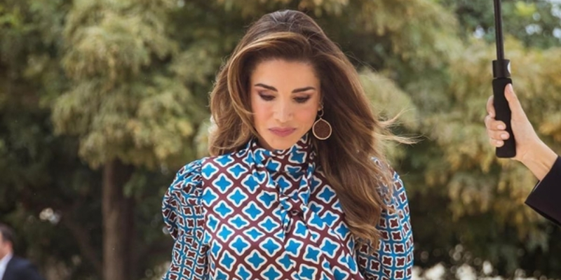 Here S Where You Can Buy Queen Rania S Outfit For Under Aed 300