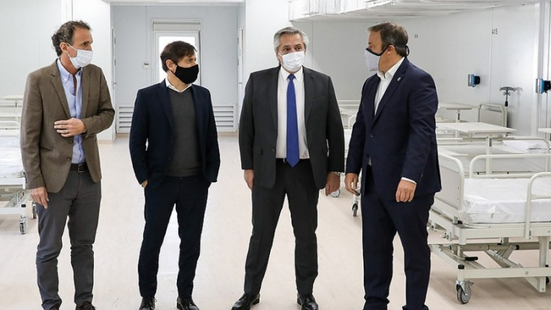 El Presidente recorrió un hospital acondicionado para el coronavirus