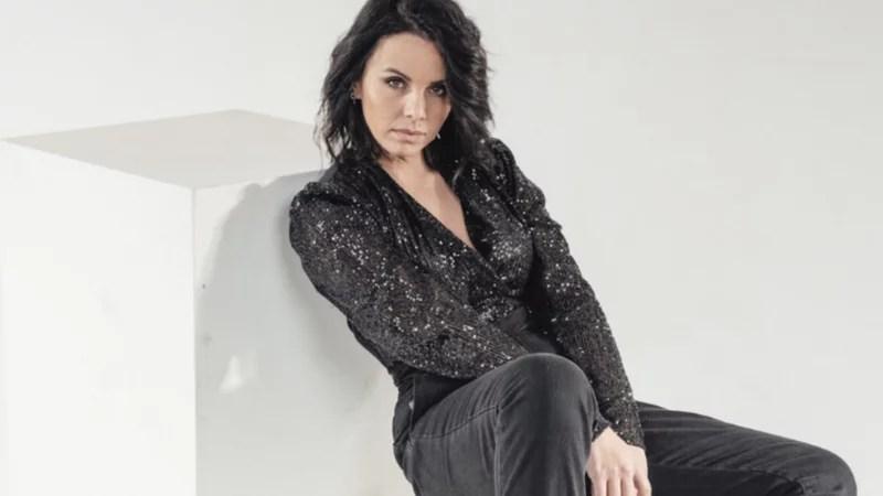 Denise Faro en Magazine TV, presentando su último material