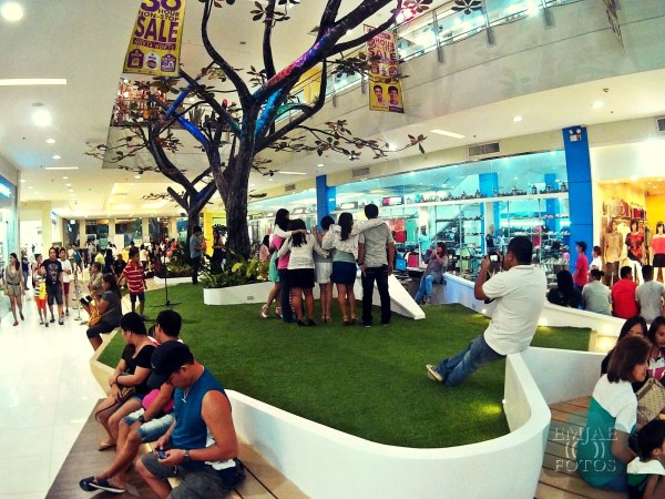 Left Rediscover Life Indoor Parkmall