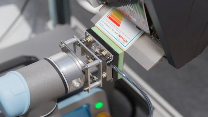 Fabrikalar Neden Robotik Etiketleme