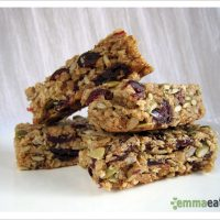 In between meals... -- Chewy Cranberry Chocolate Chip Granola Bars