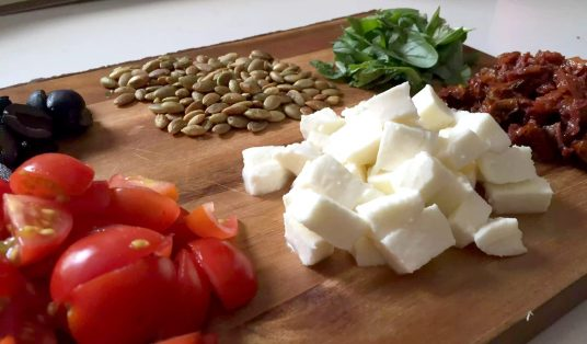 Caprese Chicken 'Pasta' Courgette Spaghetti Healthy Spiraliser Courgetti Spiralised Zucchini Mozzarella Tomatoes Cherry Sundried Olives Black Basil Pumpkin Seeds Italian SCD Paleo Clean Eating