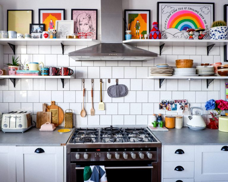 Eclectic bohemian kitchen with 6-hob oven