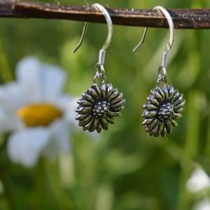 Daisy Earrings (drop), Emma Keating Jewellery