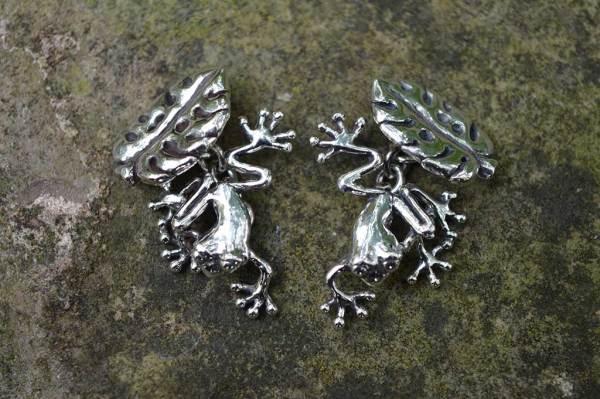Frog-Cufflinks-3---Emma-Keating-Jewellery