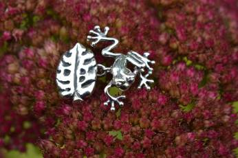 Frog-Cufflinks-6---Emma-Keating-Jewellery