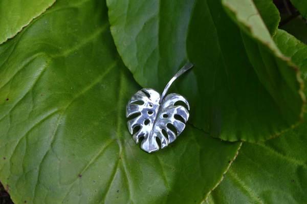 Monstera-Leaf-Pendant-3---Emma-Keating-Jewellery