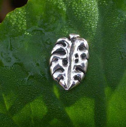 Monstera-Leaf-mini-1---Emma-Keating-Jewellery