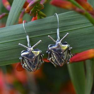 Shieldbug-Drops-1---Emma-Keating-Jewellery