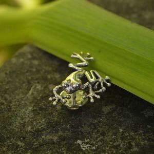 Tree-Frog-Lapel-Pin-1---Emma-Keating-Jewellery