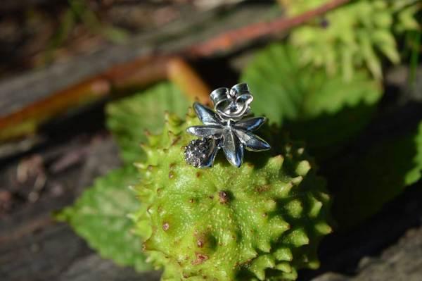 Horse-Chestnut-Leaf-stud---Emma-Keating-Jewellery