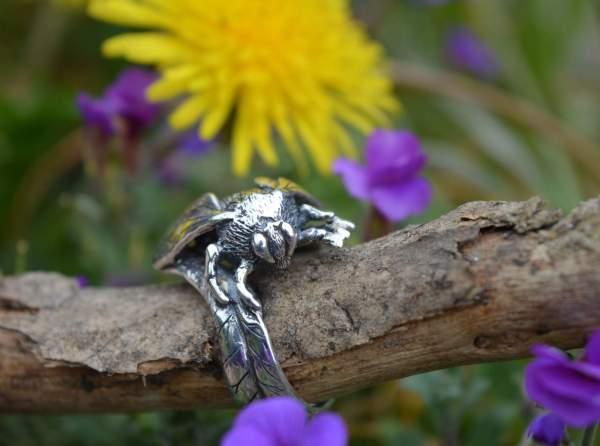 Queen Bee RIng 5s - Emma Keating Jewellery