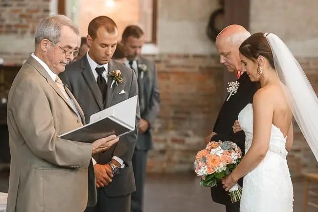 the ceremony | photo: Photos by Kristopher | via http://emmalinebride.com