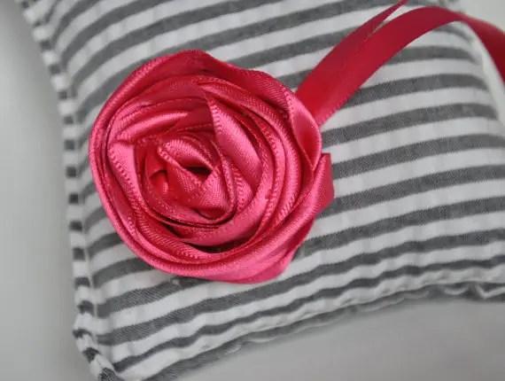 mini ring pillow