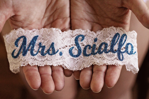 personalized-garter