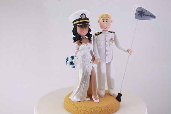 marine groom with bride cake topper | figurine cake toppers that look like you | by artifice producciones | http://emmalinebride.com/reception/figurine-cake-toppers/