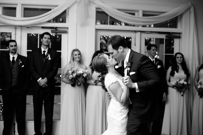 Carlyle House wedding couple dancing | Sarah + JJ's Pretty Wedding at 173 Carlyle House | http://www.emmalinebride.com/real-weddings/pretty-wedding-173-carlyle-house/ | photo: Melissa Prosser Photography - Atlanta Georgia Wedding Photographer