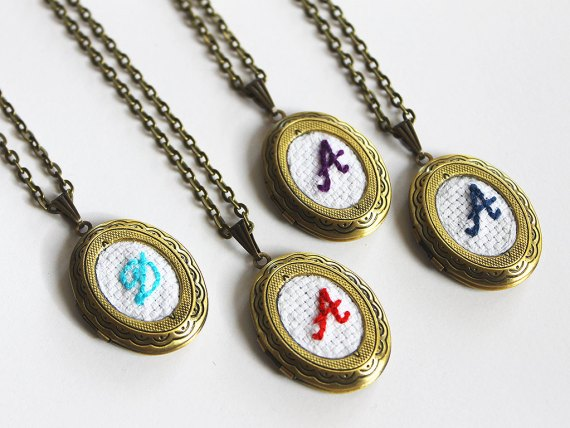 Initial necklaces for bridesmaids | by Aristocrafts | http://emmalinebride.com/gifts/initial-necklaces-for-bridesmaids/