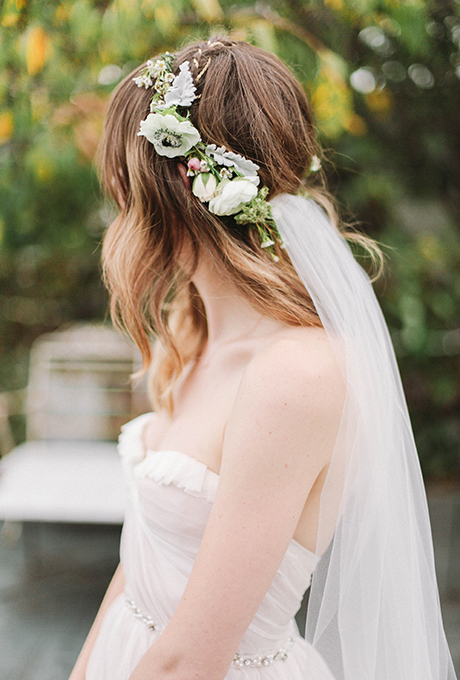hair crown with veil | photo: feather & twine photography | wedding hair crown tips via http://emmalinebride.com/bride/tips-wedding-hair-crown/