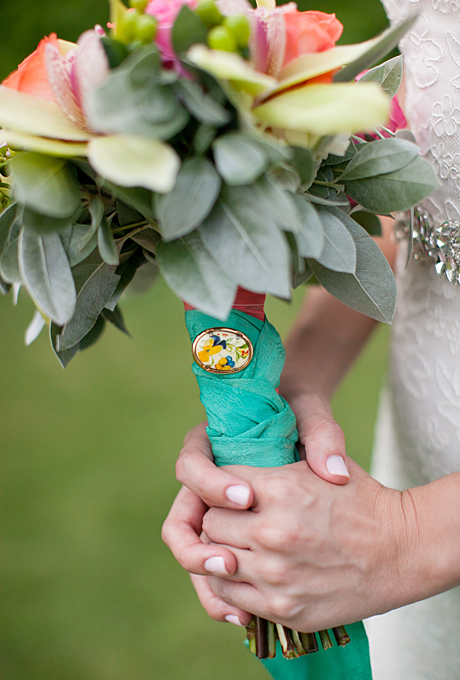 add a brooch - wedding bouquet wraps   photo: kimberly chau photography   wedding bouquet wraps: http://emmalinebride.com/bouquets/wedding-bouquet-wraps/