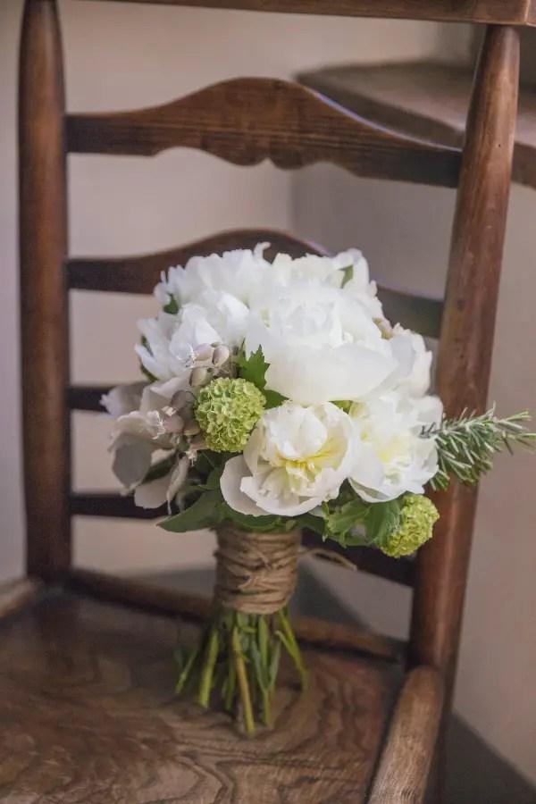 burlap twine   photo: inlighten   wedding bouquet wraps: http://emmalinebride.com/bouquets/wedding-bouquet-wraps/