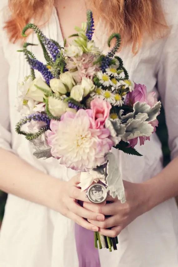 locket bouquet pin for wrap   wedding bouquet wraps: http://emmalinebride.com/bouquets/wedding-bouquet-wraps/