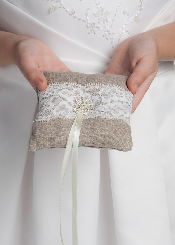 linen and lace ring pillow | 41 Beautiful Rustic Ring Pillows Etsy | http://emmalinebride.com/rustic/ring-pillows-etsy-weddings/