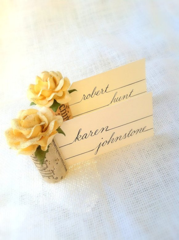 place card holder with yellow flower