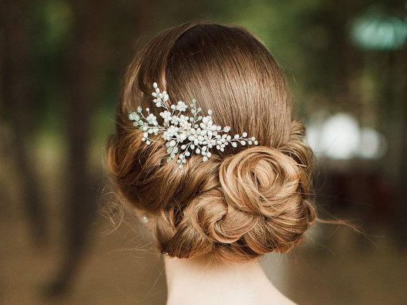 bridal hair comb | 50+ Best Bridal Hairstyles Without Veil | http://emmalinebride.com/bride/best-bridal-hairstyles