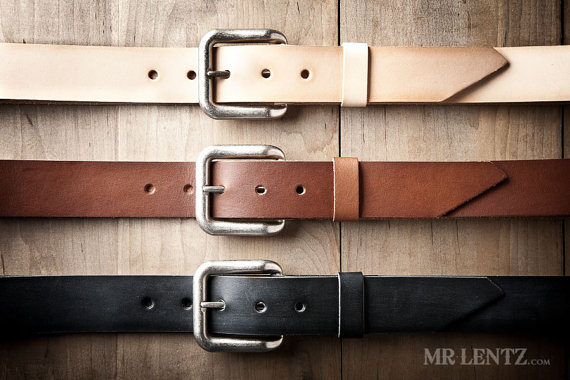 leather belt | via 40+ Best Leather Groomsmen Gifts for Weddings | http://emmalinebride.com/gifts/leather-groomsmen-gifts/