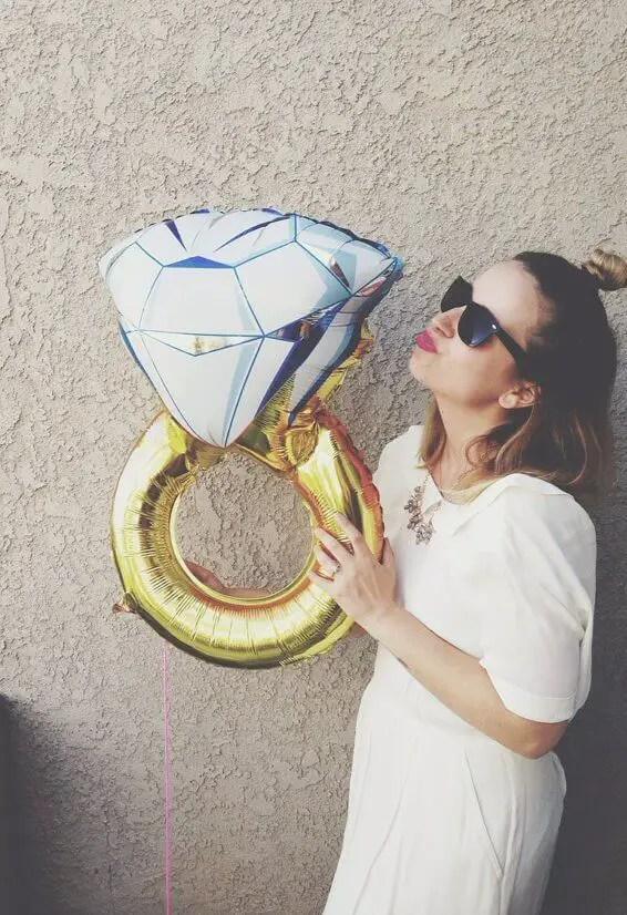 bridal shower ring theme balloon | via 21 Totally Fun Ring Themed Bridal Shower Ideas → http://emmalinebride.com/planning/ring-themed-bridal-shower/