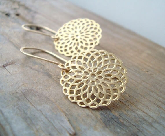 gold mendala earrings | bridesmaid yoga pants, tank tops, gifts & more | http://emmalinebride.com/gifts/bridesmaid-yoga-pants-gifts/