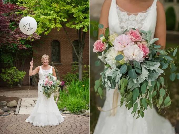 michigan_wedding_bride_balloon_flower_bouquet