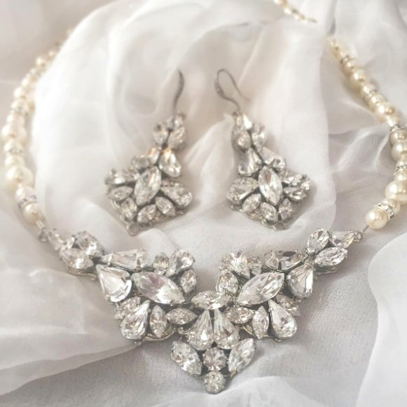 Swarovski Chandelier Earrings for the Bride   By Tigerlilly Couture   http://etsy.me/2ddYtFi