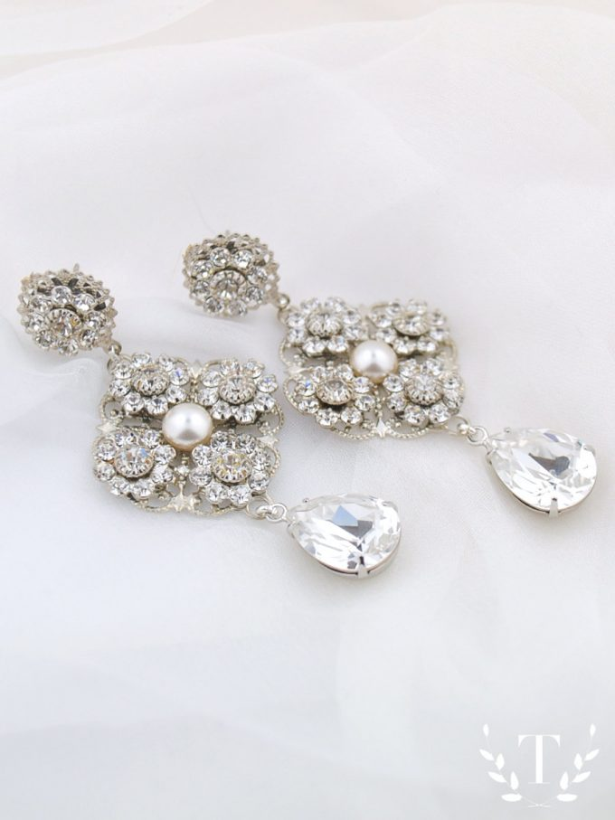 Superb Swarovski Chandelier Earrings for the Bride By Tigerlilly Couture http etsy